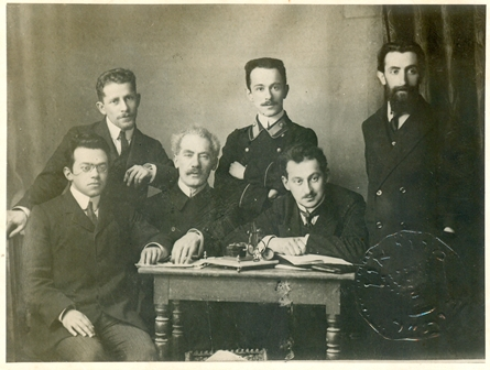 "Editorial board of weekly ""Razsvit"" (HaShahar), Petersburg. Seated from left:  Zeev Jabotinsky, Avraham Idelson and M. Soloveichik. Standing from left: Shlomo Gepstein, Avraham Goldstein and A. Zeidman."